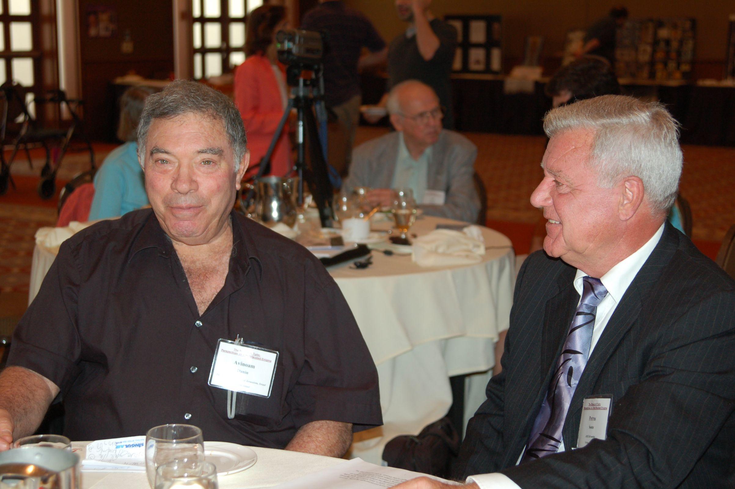 Photo 8. Avinoam Danin and Dr. Soons in Ohio