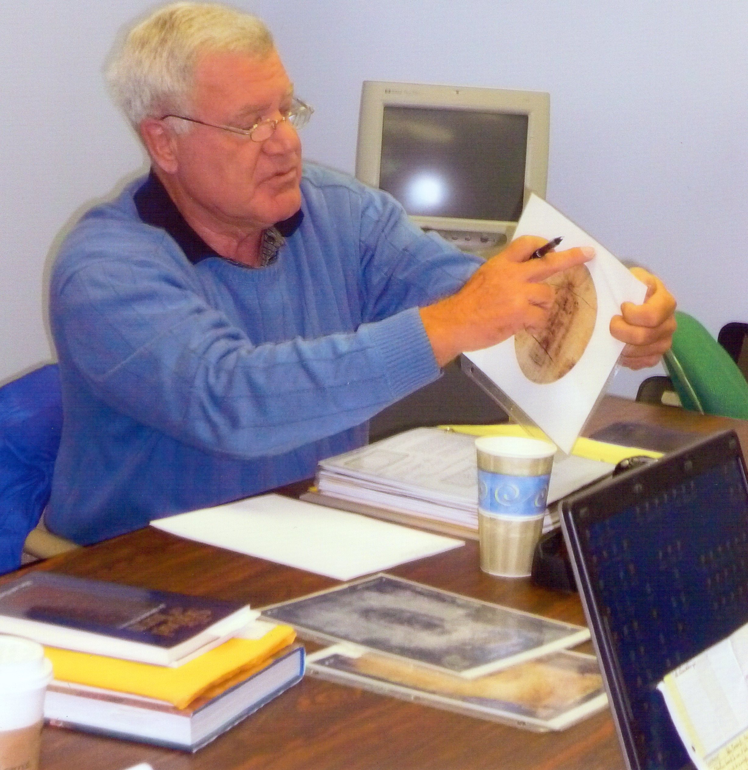 Photo 0. Dr. Soons showing HALO in Raleigh, N. C. 2008