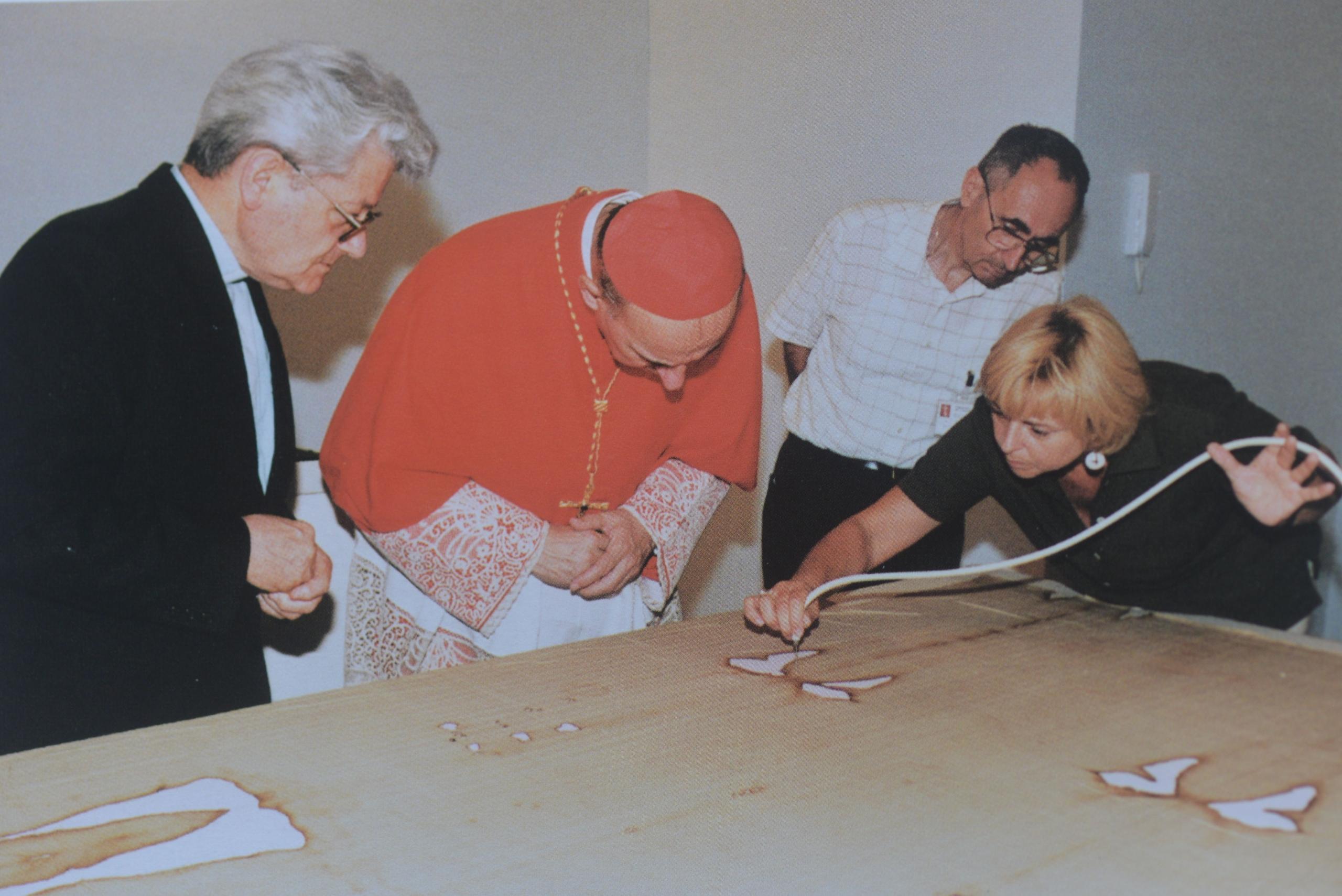 Photo B. Guisseppe Ghiberti, Cardenal Severino Poletto and colaborators