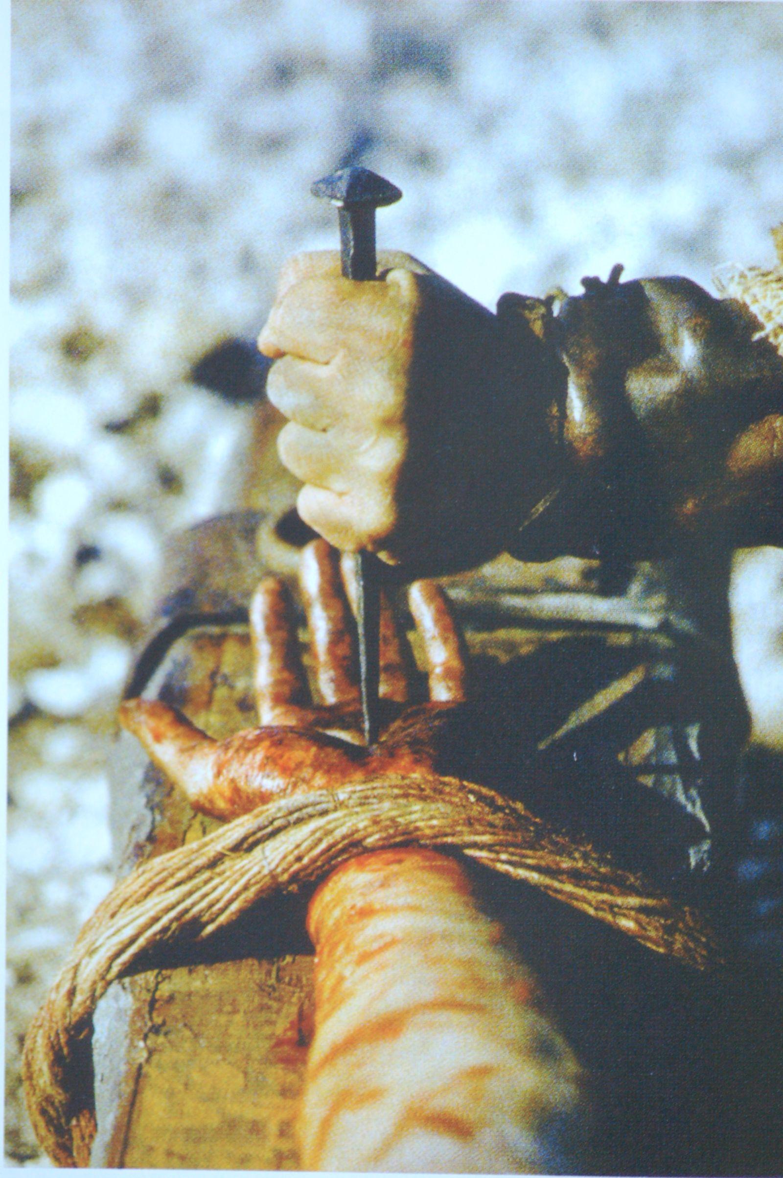 Photo 4. Nailing wrist